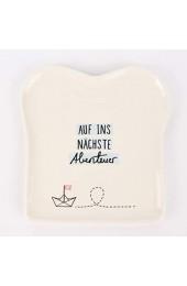 Grafik-Werkstatt 61445 Toast-Teller mit Spruch   Porzellan   Auf ins nächste Abenteuer